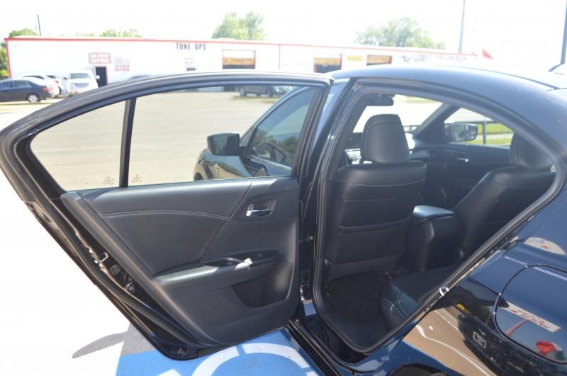 Honda Accord Sedan SPORT ONE OWNER 2016 price $15,995