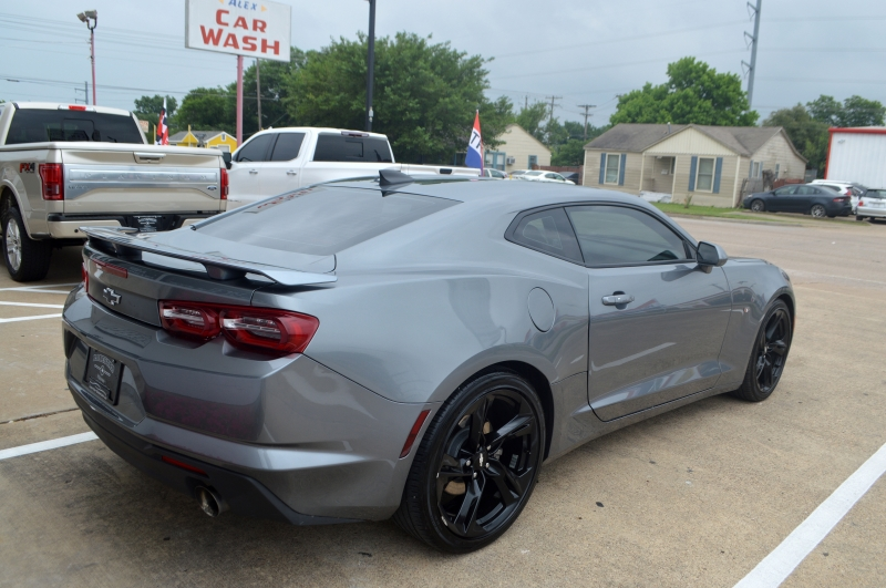 Chevrolet Camaro 2019 price $24,995