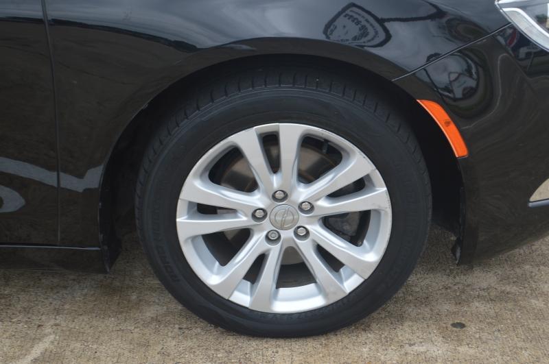 Chrysler 200 2015 price $10,995