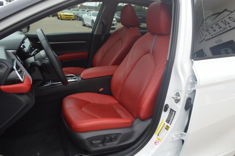 Toyota Camry 2018 price $26,995