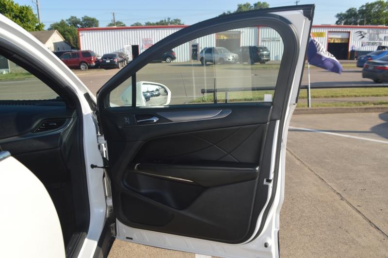Lincoln MKC 2015 price $16,995