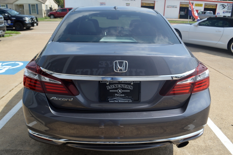 Honda Accord 2017 price $16,995