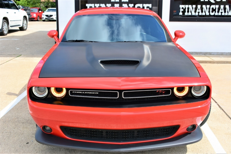 Dodge Challenger 2019 price $29,995