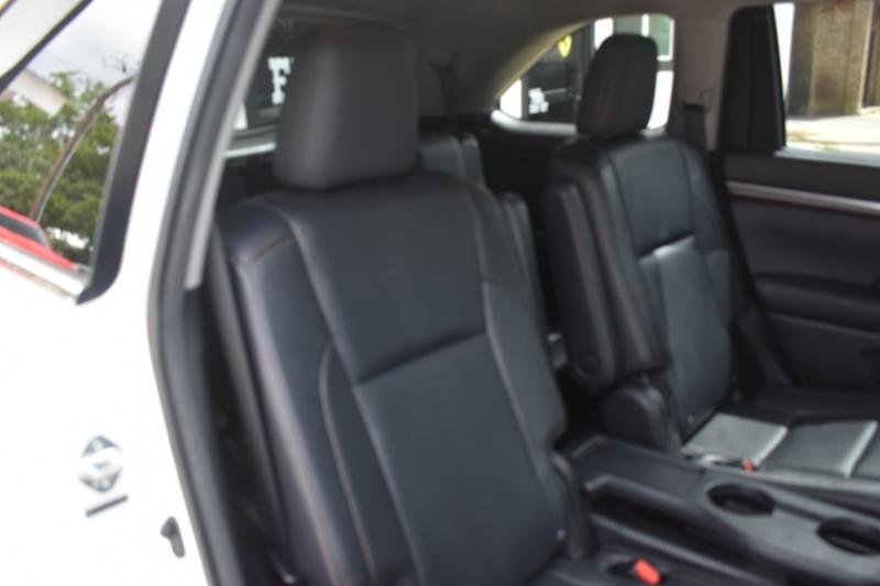 Toyota Highlander 2014 price $23,995