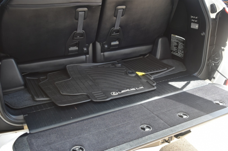 Lexus LX 570 2014 price $39,995