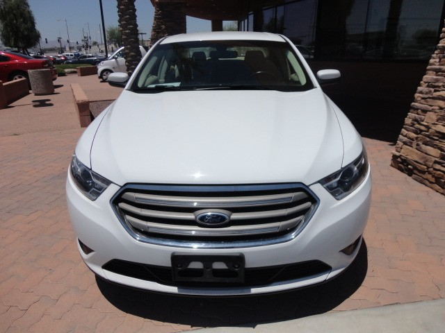 Ford Taurus 2016 price $13,088 Cash