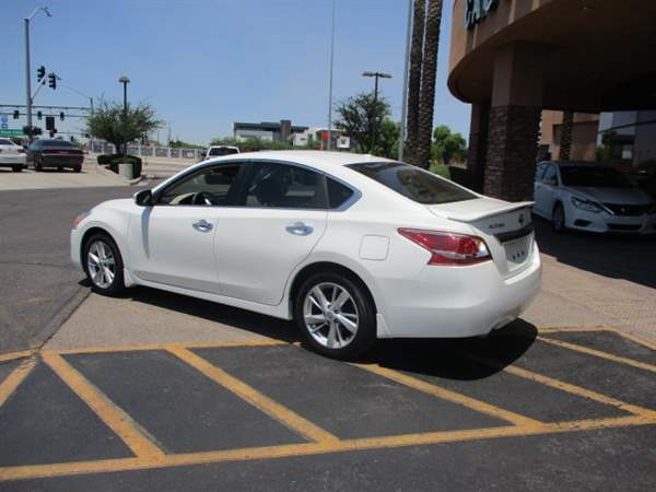 Nissan Altima 2013 price $1,999 Down