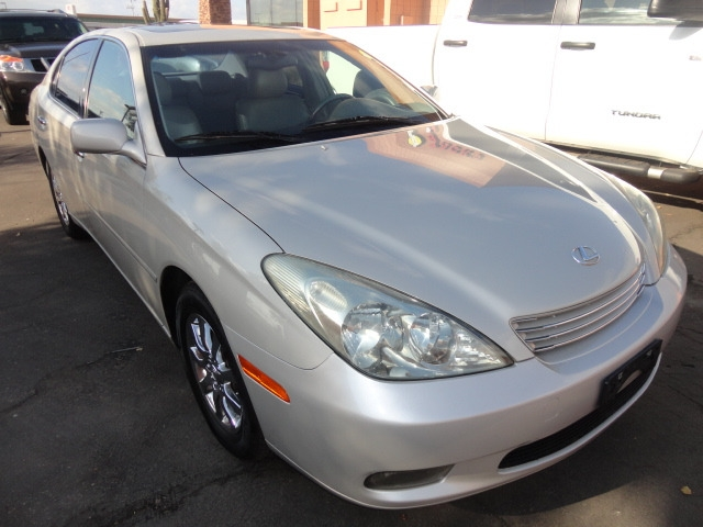 Lexus ES 330 2004 price $5,888 Cash