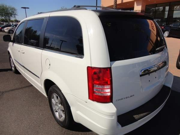 Chrysler Town & Country 2010 price $999 Down