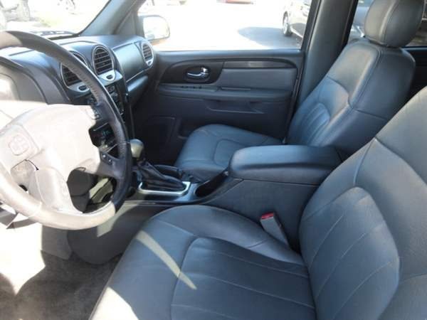 GMC Envoy XUV 2004 price $3,988 Cash