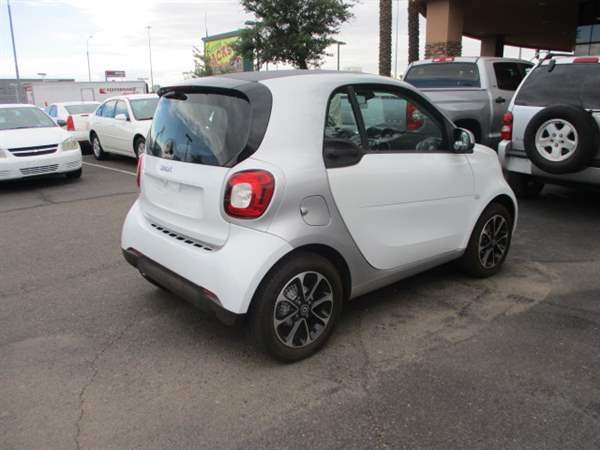 Smart fortwo 2016 price $1,299 Down