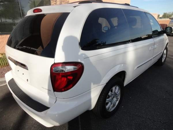 Chrysler Town & Country LWB 2007 price $699 Down