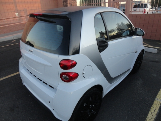 Smart fortwo 2015 price $8,488 Cash