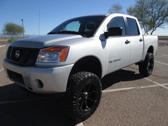 2014 Nissan Titan 5.6L V8 Lifted/Wheels/Tires