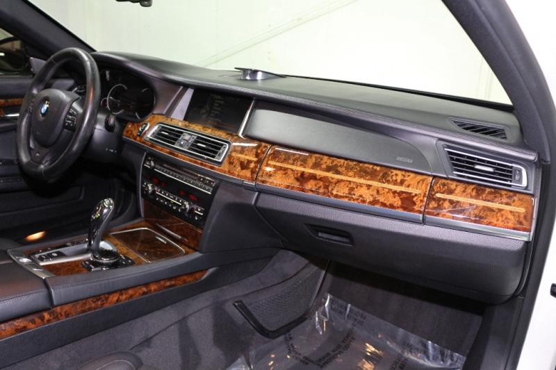 BMW 7-Series 2014 price $27,490