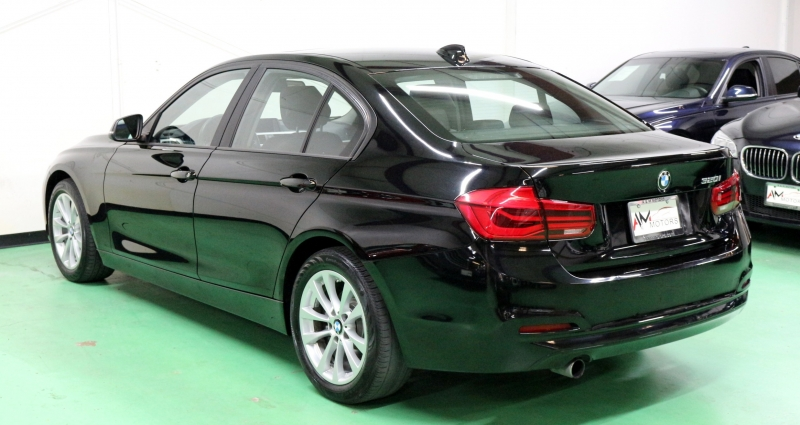 BMW 3-Series 2017 price $12,990