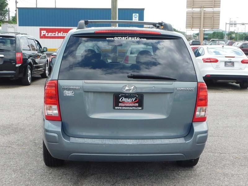 Hyundai Entourage 2008 price $6,491