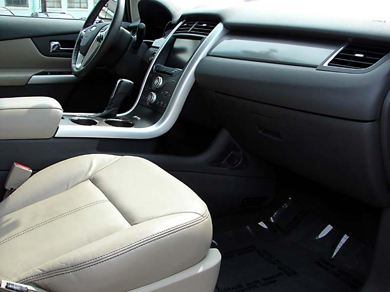 Ford Edge 2013 price $13,800