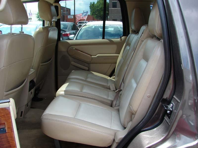 Ford Explorer 2006 price $6,900