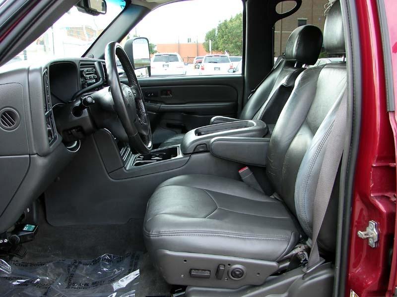 Chevrolet Avalanche 2004 price $9,800