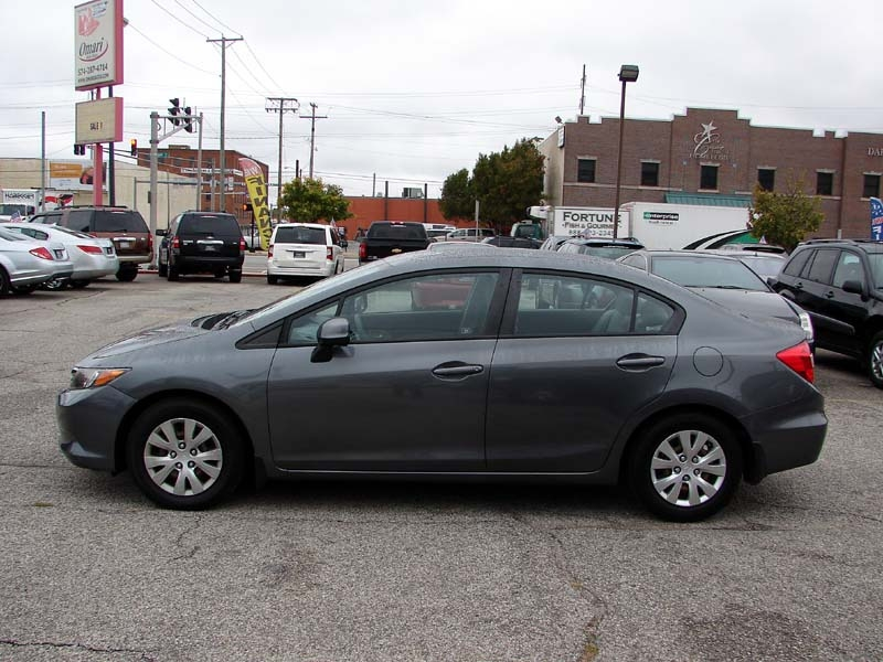Honda Civic Sdn 2012 price $11,800