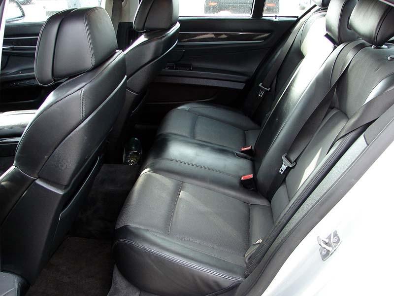BMW 7-Series 2010 price $12,800