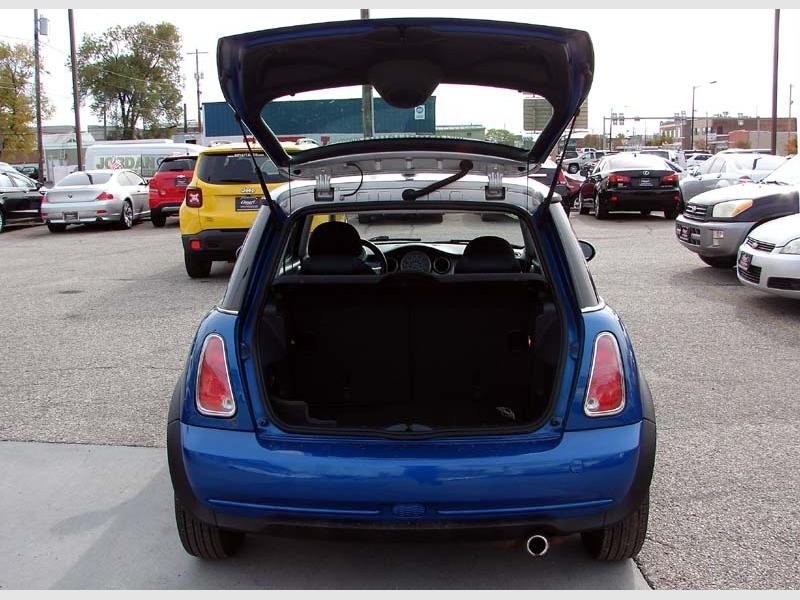 Mini Cooper Hardtop 2006 price $5,800