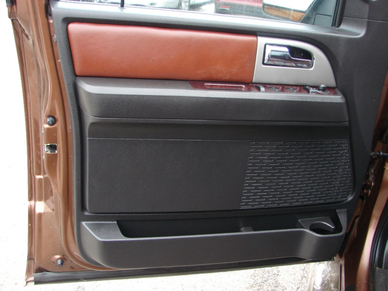 Ford Expedition 2012 price $15,800