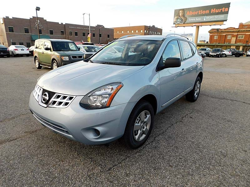 Nissan Rogue 2015 price $8,900
