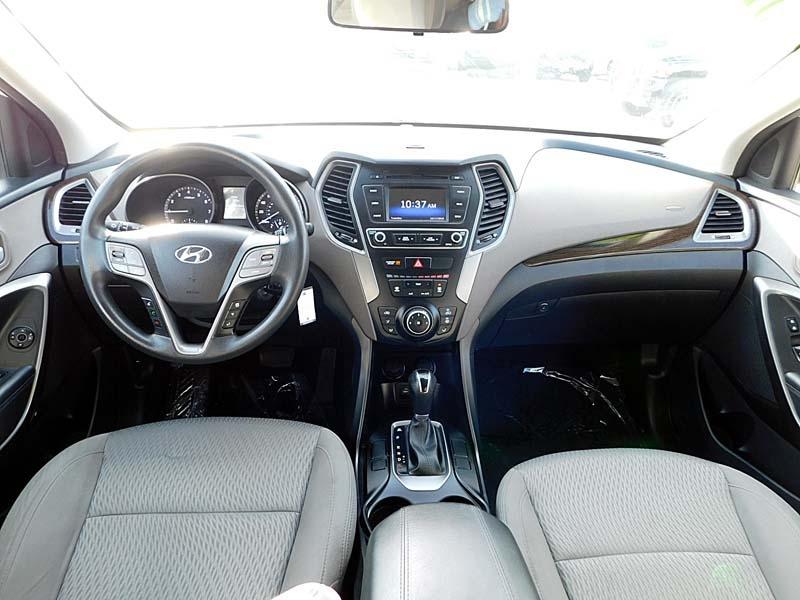 Hyundai Santa Fe Sport 2017 price $13,700