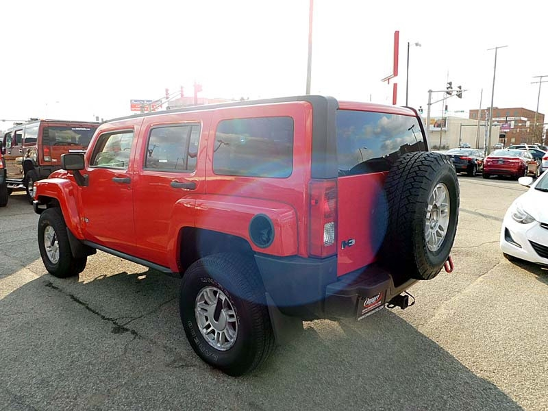 Hummer H3 2006 price $10,900