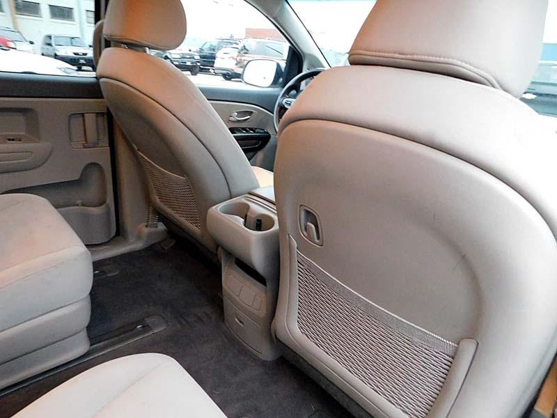Kia Sedona 2015 price $11,800