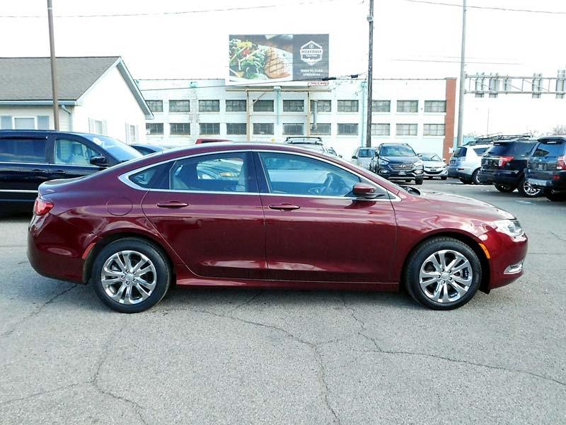 Chrysler 200-Series 2015 price $11,300