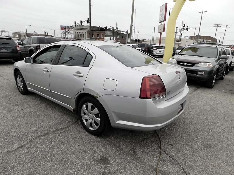 Mitsubishi Galant 2006 price $3,800