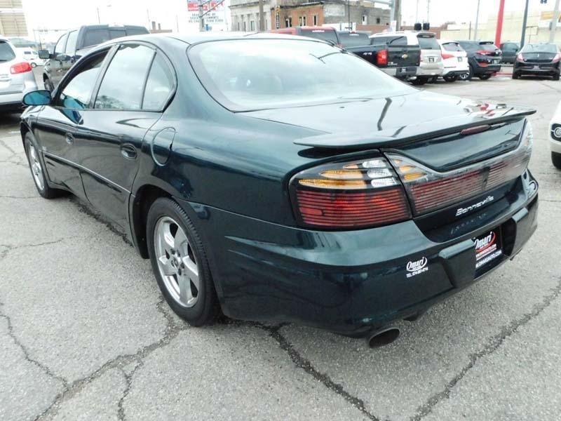 Pontiac Bonneville 2002 price $4,550