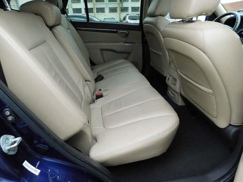 Hyundai Santa Fe 2010 price $9,300