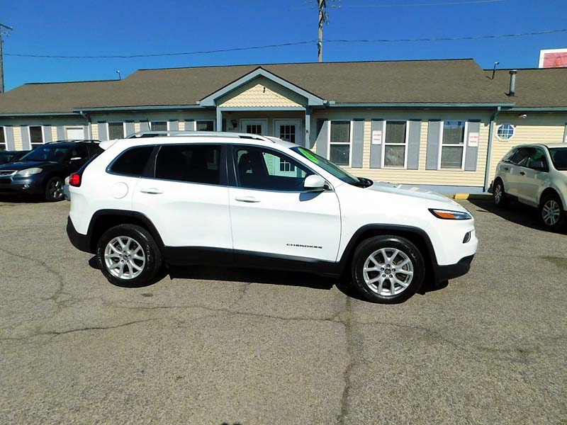 Jeep Cherokee 2016 price $15,800