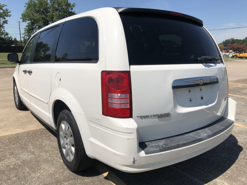 CHRYSLER TOWN & COUNTRY 2008 price $1,500 Down