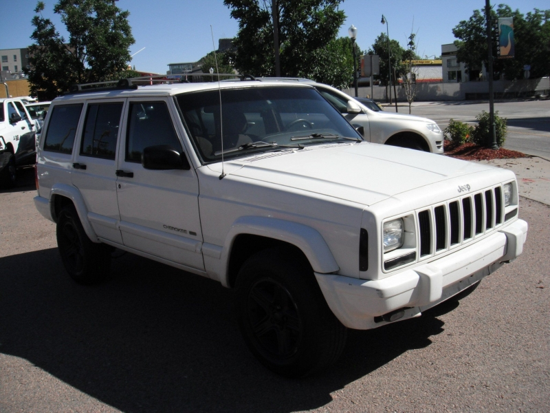 Jeep Cherokee 2001 price $4,995