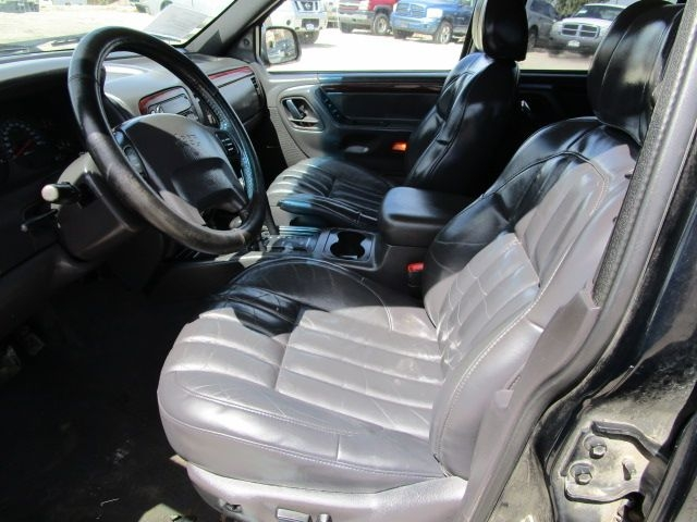 Jeep Grand Cherokee 2000 price $4,500