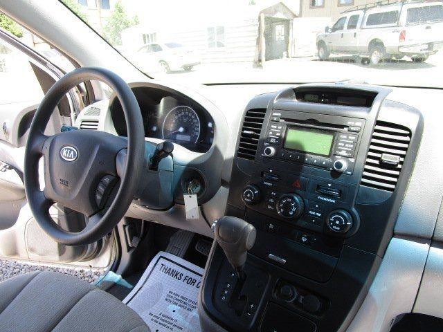 Kia Sedona 2009 price $4,900