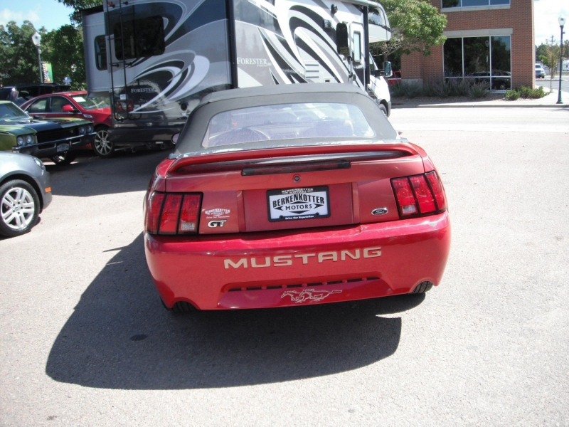 Ford Mustang 1999 price $4,995
