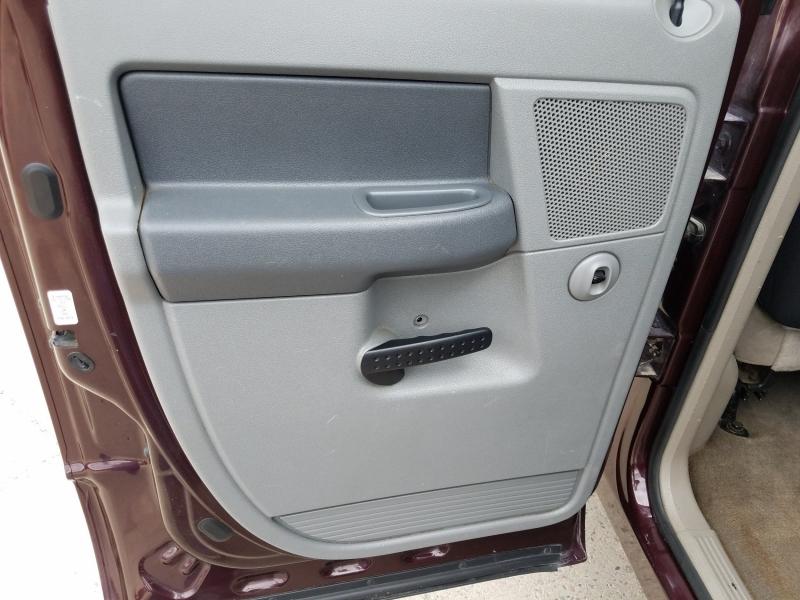 Dodge Ram Pickup 2500 2004 price $18,995