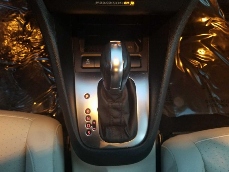 Volkswagen Jetta 2011 price $8,995