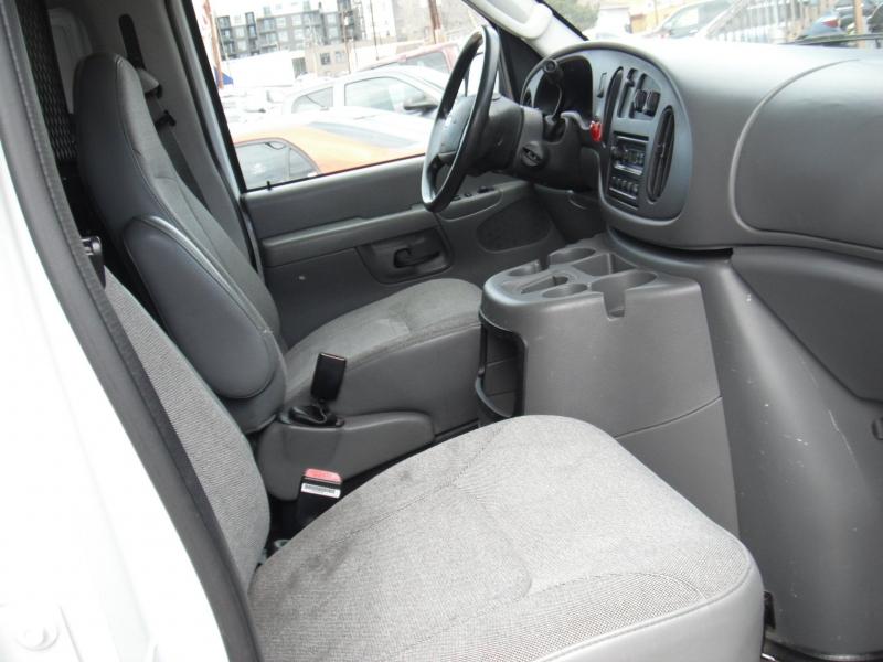 Ford E-Series Cargo 2003 price $7,900
