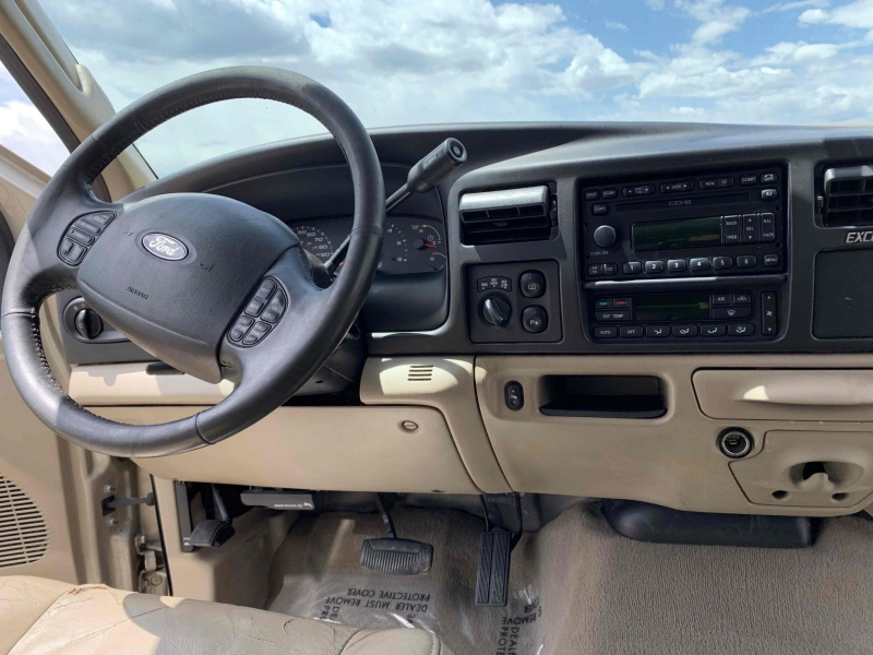 Ford Excursion 2005 price $14,900