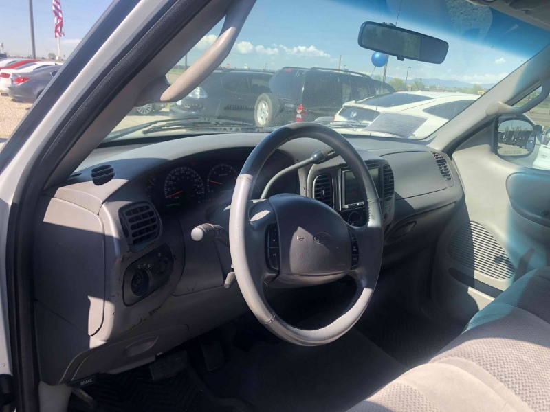 Ford F-150 2001 price $5,900