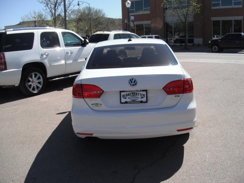 Volkswagen Jetta 2014 price $12,900
