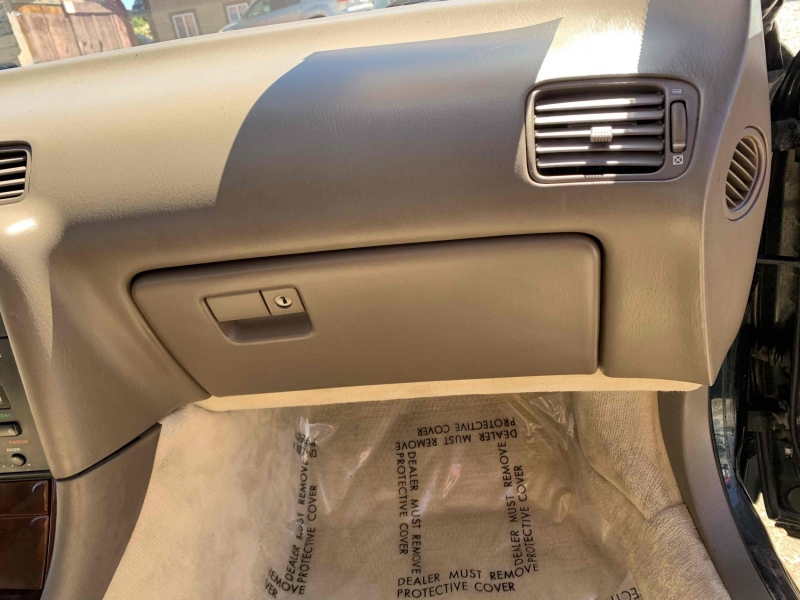 Lexus ES 300 1993 price $4,900