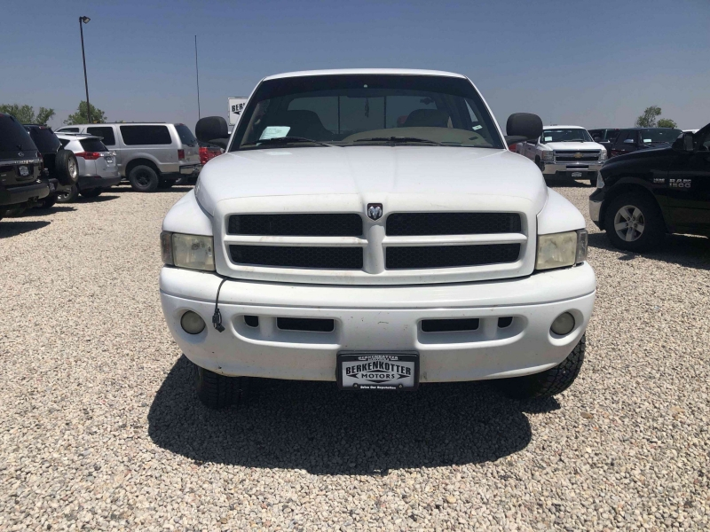 Dodge Ram Pickup 2500 1999 price $13,400